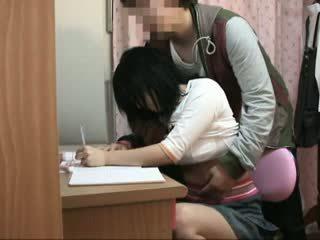 Spycam teen befummelt von schoolcoach