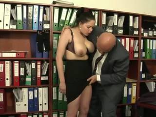 Old boss fucks his young plump secretary