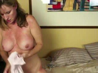 在 床 同 一 角質 媽媽我喜歡操 視頻