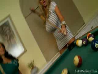 Malaking suso babes fucked sa ang billiard room