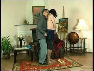 Anal sexo para pelirroja crossdresser