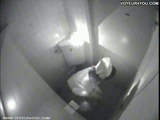 Masturbation livet toalett rom