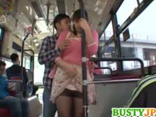 Hana haruna rondborstig sucks shlong in bus