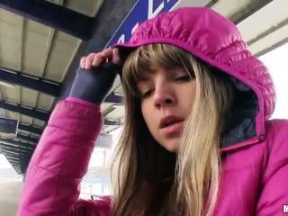 Søt tjekkisk jente gina gerson sex til kontanter