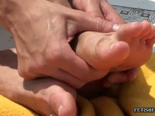 fetish kaki, gay sex big man, hung pejantan big dick