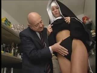 意大利人 拉丁 尼姑 被濫用 由 臟 老 男人
