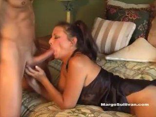 Milf romp - fiu prins mama margo sullivan în pat