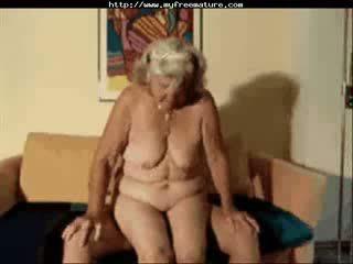 Mormor lilly avsugning äldre äldre porr grannyen gammal cumshots cumsprut