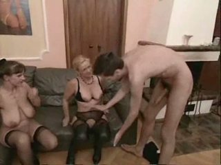 Amatieri pieauguša swingers trijatā sekss video