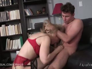 Nina hartley este o slutty corporate stepmother - porno video 551