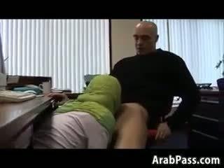 Broke arab fucks 에 an 사무실 용 돈