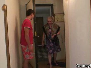 nenek, nenek, dewasa