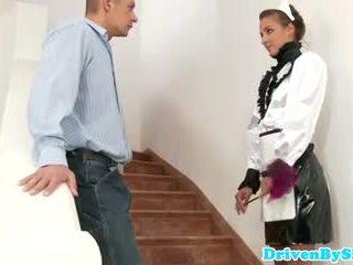 Eurobabe amirah adara facialized come un cameriera