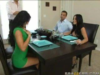 Husbands swap žmonos ankstesnis į dinner