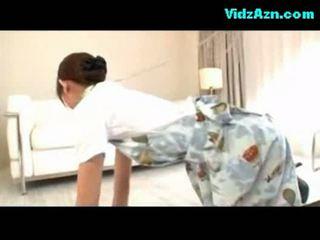 Pramugari getting dia alat kemaluan wanita kacau air mani untuk stoking di itu