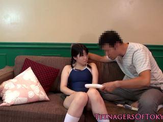 Bukkaked japońskie nastolatka toyed w hairypussy: darmowe hd porno 6a