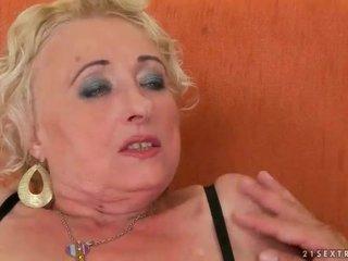 Gras bunica enjoys greu sex