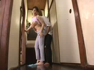 जपानीस हॉर्नी बोए attacked उसके स्टेपमोंम वीडियो