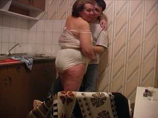 Syn fucks matka na the kuchyňa