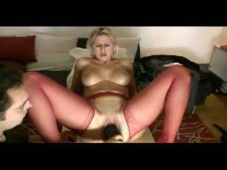 금발의 아내 loves painful penetration 비디오