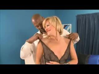 Bbc anaali varten läkkäämpi ellie