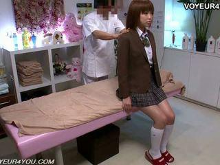 일본의 비탄 학교 소녀 몸 마사지