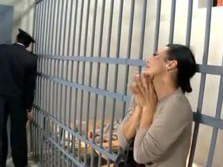 Video 594 prisoner žena jebemti