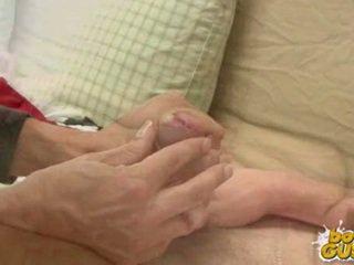 Ładniutka młodzi gets a na ręcznym i discharges a load z sperma.
