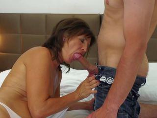 मेच्यूर मां gets युवा कॉक और कम को मुंह: एचडी पॉर्न 05