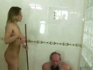 נוער punishing סבא