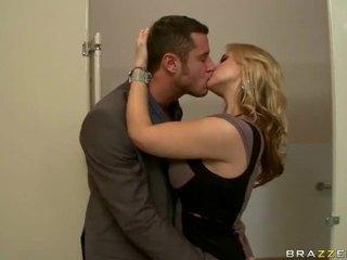 Grand seins sexe vidéos de épouses