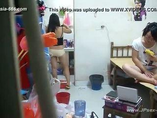 Peeping 중국의 대학 dormitory 과 bathroom.2