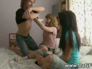 Harcore hármasban -val schoolgirls