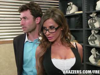 Madison ivy's idealne tyłek gets rozłam przez jej boss's kutas