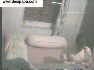 อินเดีย pair secretly filmed ใน ของพวกเขา ห้องนอน swallowing และ having โป๊ แต่ละ อื่น ๆ