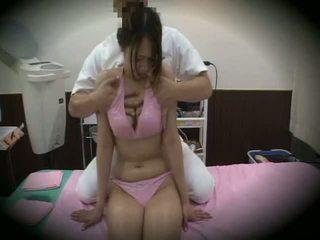 Spycam reluctant chica masaje sexo 1