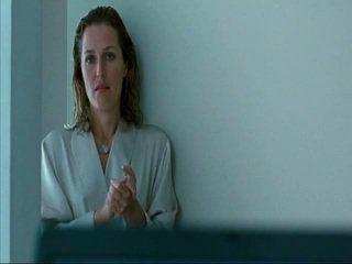 Gillian Anderson Straightheads