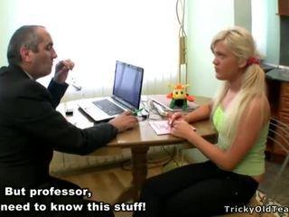 Guru Tasting A Chaste Grunt