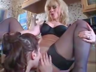 Nina hartley-ariana jollee - maggiore donne younger donne 4