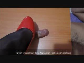 Tyrkisk buse naz arican - footjob på cockboard