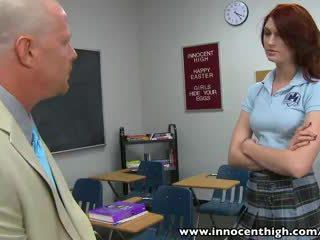 Innocenthigh หัวแดง เด็กนักเรียนหญิง วัยรุ่น alana rains spanked ระยำ