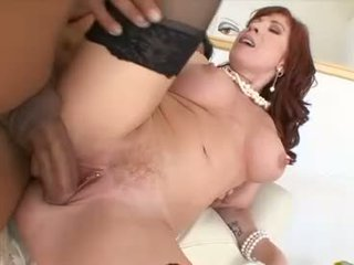 Hot mom brittany oconnell gets her burungpun stabbed hard with a massive erect jago