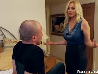 Vecchio julia ann making amore onto sleaze america