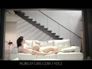 Aiden ashley - nubile кинофилми - лесбийки lovers сподели сладъл путка juices