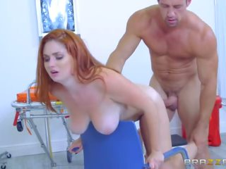 Brazzers - παχουλός/ή ginger lennox luxe gets pounded