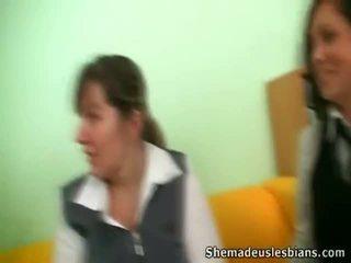 Dina i kira cocksuck i lizanie wielki chest z ich nauczycielka.