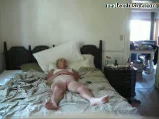 Giving my 53 years ginintuan ang buhok asawang babae an orgasmo video