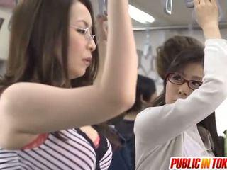 Aasialaiset äiti id kuten kohteeseen bang licks rooster sisään bussi xxx puolue