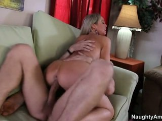 Bigtitted sosed, abbey brooks
