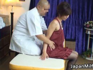 Asiatisch milf has massage und ficken